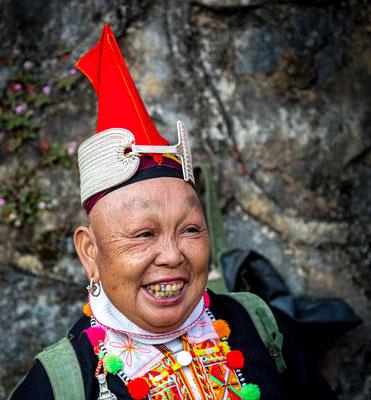 Red-Top Yao, Jingping