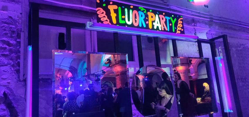 Puesto de maquillaje de luz negra para fiestas, iluminación neon