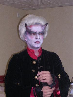 dracula make up