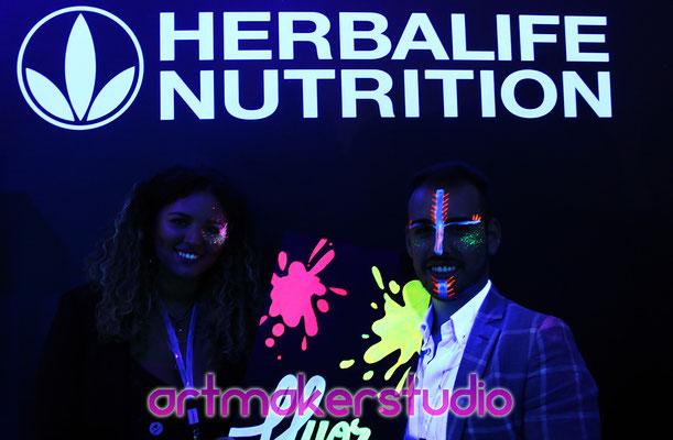 Maquillajes luz negra. Evento Herbalife Nutrition en la Caja Mágica Madrid 2017