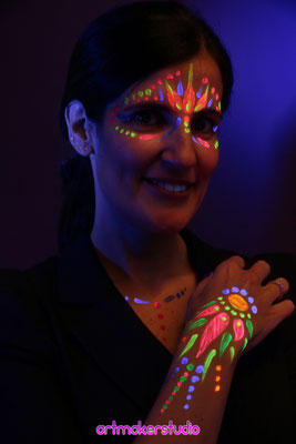 maquillajes fluorescentes para fiestas