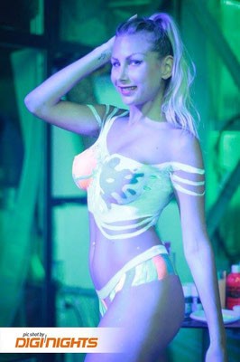 Body Paint NEONSPLASH Party in Ibiza