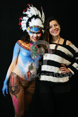 Alba y Valeria, la alumna y la modelo de body paint