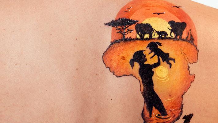 Fake Tattoo MAMA AFRICA para campaña contra el Cáncer 2016