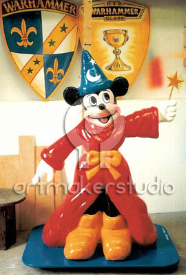 Escultura Mickey Mouse. Tienda Paco Lucas, Ibiza