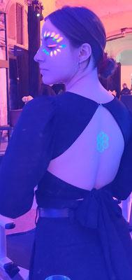 Tatto Fluor aerografia en espalda para fiestas Luz negra o Luz negra