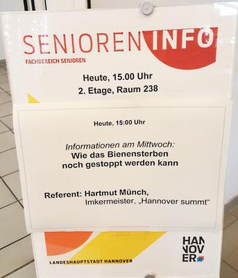 Vortrag von Imkermeister Hartmut Münch für Hannover summt! im Ihmezentrum für den Fachbereich Senioren der Landeshauptstadt am 05.02.2020