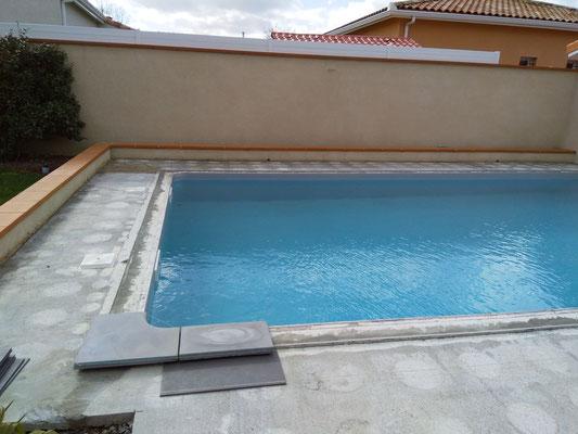 Encollage des margelles de piscine