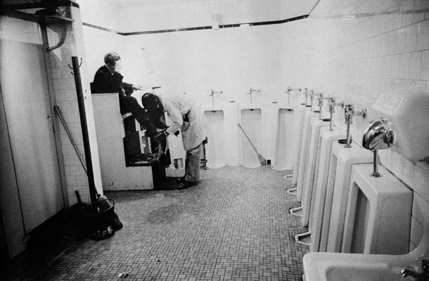 Men's room, Railway station – Memphis, Tennessee