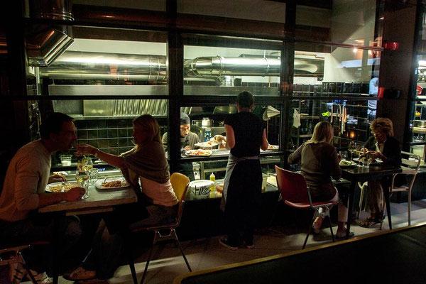 Monti neighbourhood, an evening in 'Urbana 47' restaurant, named as the street where is located.