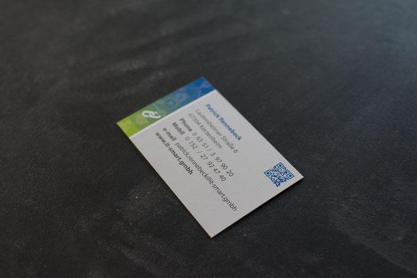 Visitenkarte, Standard, 85 mm x 55 mm, Rückseite mit Kontaktdaten und QR-Code I Rheno Systembau I Mein.smartHAUS