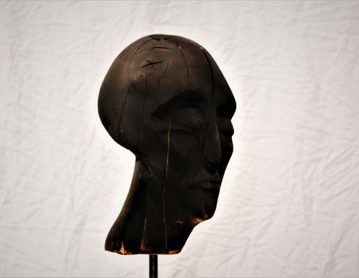one piece black skulptur august