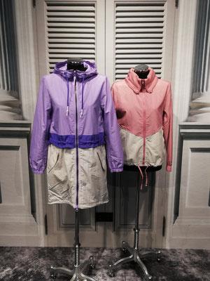 Links: Leihter Parka  89,99€, kurzer sportive Jacke 69,99€