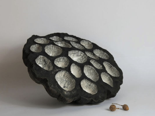 "Anne TASSIN, ""Fruit de Lotus"",  Céramique, Raku, 30x28x15 cm, 2020"