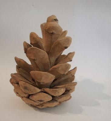 """Anne TASSIN, """"Pomme de pin"""",  Céramique, Grès Brut, 21x15x15 cm, 2019"""