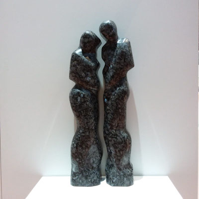 Liebespaar aus Blue Pearl Granit, h. 75 cm