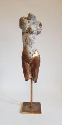 """""""Torso vom Ozeanachat"""" Ozeanachat auf Bronze, h. 39 cm"""
