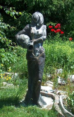 """""""Der gegossene Krug"""" Russischer Serpentin auf Bronze, h. 175 cm"""