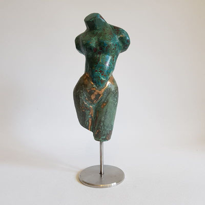 """Torso vom Chrysokoll"" Chrysokoll auf Bronze, h. 29 cm"