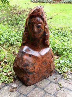 """Thebe""  Mahagoni Obsidian, h. 55 cm"
