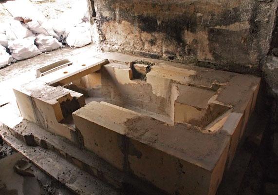 直焚き風呂の築炉