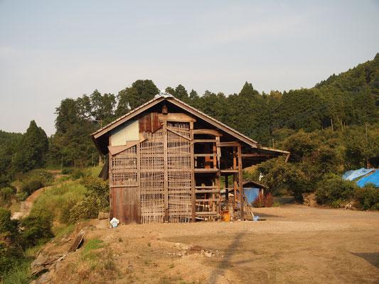 これから改修される倉庫