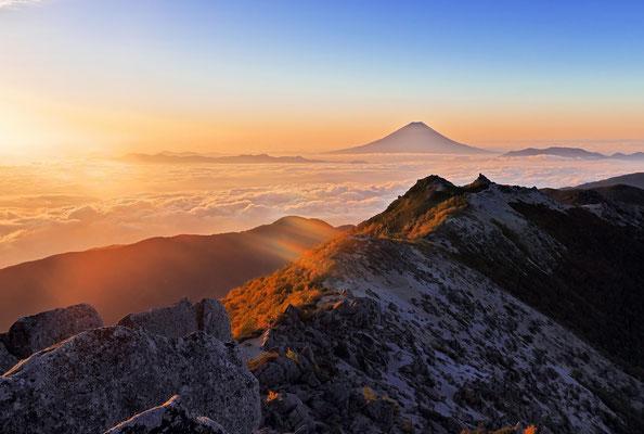 鳳凰三山、観音ヶ岳山頂から