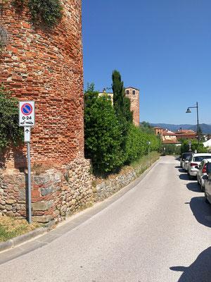 Stadtmauer von Montecarlo (LU)