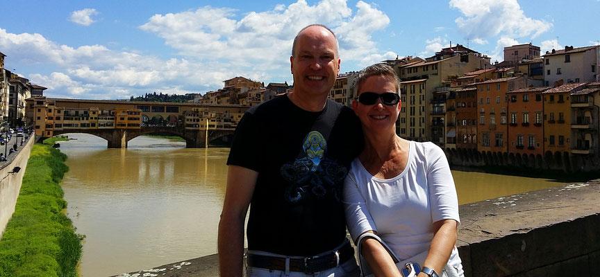 Im Hintergrund die Ponte Veccio, Florenz