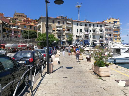 Strandpromenade  - Porto Santo Stefano (GR)