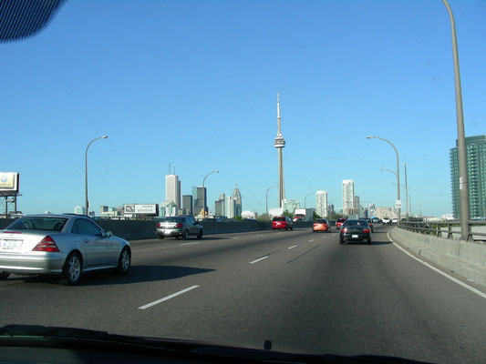 Highway from the City of Niagara Falls back to Toronto
