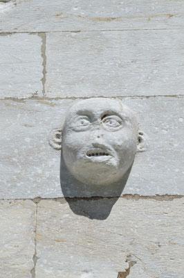 Steinköpfe am Palazzo dell'Opera, Pisa