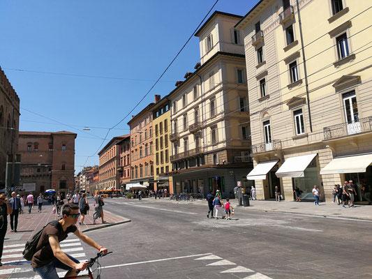 Via Rizolli, Bologna