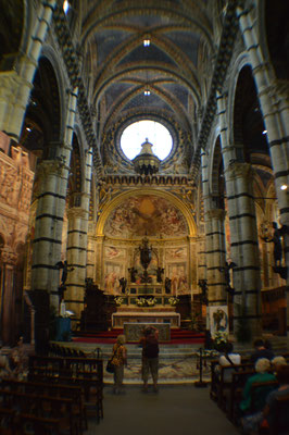 Innenansicht des Duomo di Siena