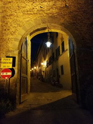 Abendstimmung in den Gassen von Montecarlo (LU)