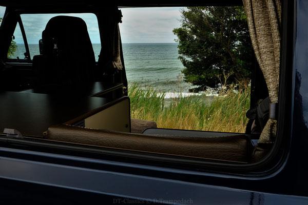 Terrasse bis zum Horizont,  Salzgeruch & Meeresrauschen,  hier gratis und ganz ohne Alexa.
