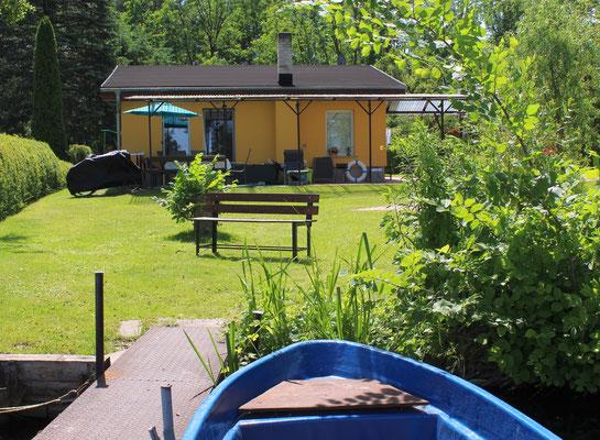 Garten zum Steg, Ruderboot