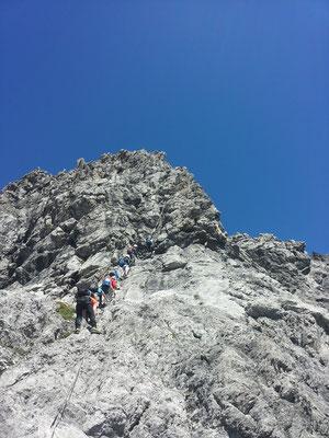 Kurz vor'm Gipfel goht's nomol ufe