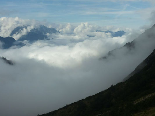Ratzfatz züht der Nebel zu uns ufa...