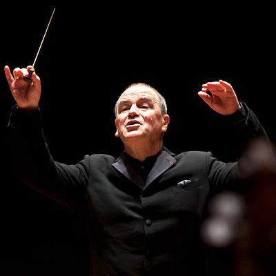HE 03_Hans Graf_Dirigent_©Bruce Bennett
