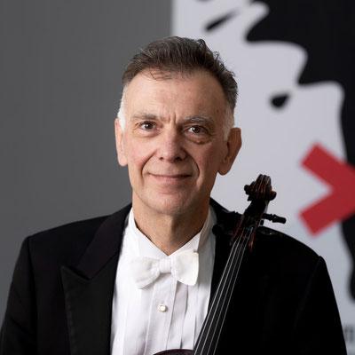 GÖTZ SCHLEIFER Viola