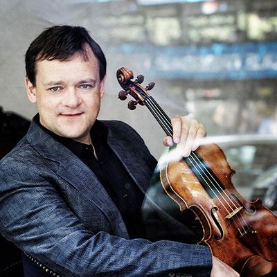 DO 03_Frank Peter Zimmermann_Violine_© Harald Hoffmann│hänssler CLASSIC