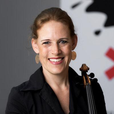 DANIELA BEER 2. Stimmführerin 2. Violine