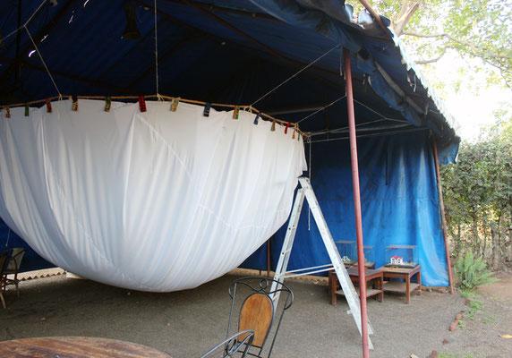 Mise en place des accroches en Kanga, Kitengé et Maasaï Shuka