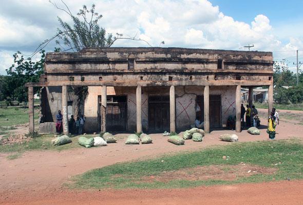 Sur la piste Bunda Ukewere vue 01