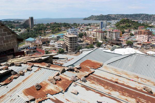 Sur les hauteurs de Mwanza vue 02