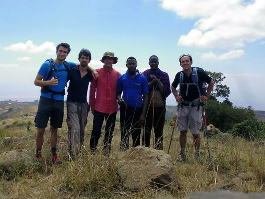 Guillaume, Jacopo, moi, Elisha, notre guide Massaï, Ronan