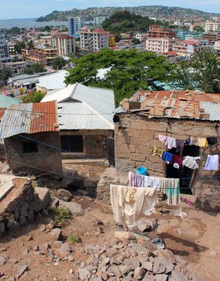 Sur les hauteurs de Mwanza vue 01