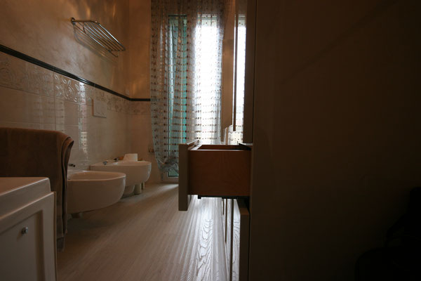 Bagni su misura rimini arredamenti e cucine su misura - Bagno 60 rimini ...
