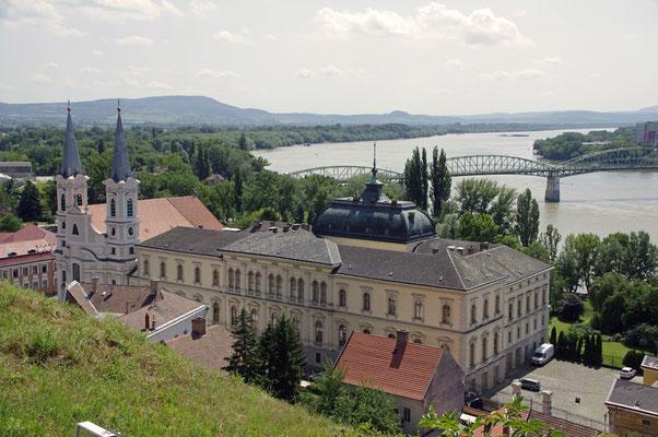 Christl. Museum mit Kirche